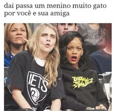 ORDER IN THE COURT! Model Cara Delevingne and Rihanna get their heads in the (basketball) game as the home team Brooklyn Nets best the Atlanta Hawks on Monday. Cara Delevingne, Atlanta Hawks, Brooklyn Nets, Rihanna Style, Star Track, Bad Gal, Rihanna Fenty, Aaliyah, Girls Night Out