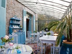 House of Turquoise: Porches Outdoor Rooms, Indoor Outdoor, Outdoor Living, Outdoor Decor, House Of Turquoise, Porches, Enclosed Patio, Cuisines Design, Compost