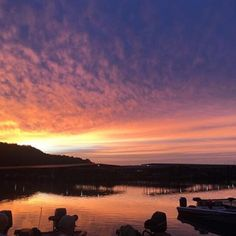 This sunrise at Prairie Creek Marina in Rogers just brightens our day! #RogersRocks 📸: @lexierb_ #Picoftheweek