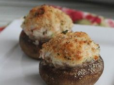 Ingredients medium sized button mushrooms 1 tablespoon butter 1 teaspoon minced garlic 8 ounces crab meat 5 ounces c. Seafood Appetizers, Seafood Dishes, Appetizer Recipes, Crab Stuffed Mushrooms, Stuffed Mushroom Recipes, Quick And Easy Appetizers, Crab Recipes, Burger Recipes, Recipies