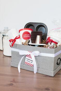 Holiday Cupcake Baking Kit   The TomKat Studio