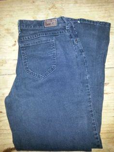 Size 10 Medium Black Lee Relaxed Fit Women's Denim Jeans. http://www.ebay.com/itm/Size-10-Medium-Black-Lee-Relaxed-Fit-Women-s-Denim-Jeans-/281350732384