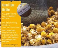 Kamillen-Honig hilft bei Husten oder abends zur Entspannung. Cereal, Food And Drink, Breakfast, Honey, Milk, Dry Cough, First Aid, Recipies, Morning Coffee