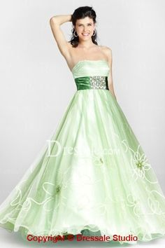 This mint green color is amazing! I am digging this idea of a non traditional wedding dress