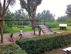 Stayokay dordrecht speeltuin, mooie accommodatie voor de herfstvakantie in Nederland Resorts, Villa, Park, Vacation Resorts, Parks, Vacation Places, Villas