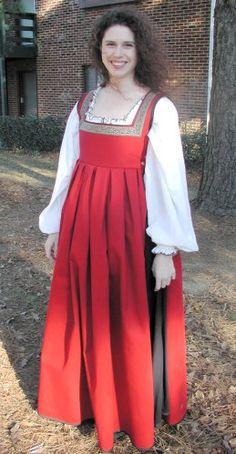 custom-linen-italian-renaissance-gown