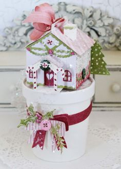 Gingerbread House Pint Container by Melissa Phillips for Papertrey Ink (November 2016)