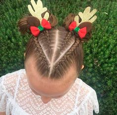 Just Looking At These cute Holiday Hairstyles Will Fill You With Christmas Cheer. + Just Looking At These cute Holiday Hairstyles Will Fill You With Christ Easy Hairstyles For Kids, Baby Girl Hairstyles, Christmas Hairstyles, Trendy Hairstyles, Creative Hairstyles, Kids Hairstyle, Beautiful Hairstyles, Female Hairstyles, Party Hairstyles