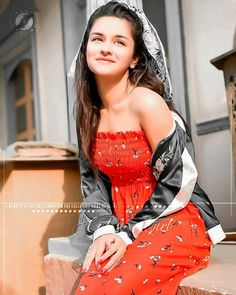Cute Girl Poses, Cute Girls, Best Friend Images, Profile Picture For Girls, Bollywood Actress Hot Photos, Girls Dpz, Stylish Girl, Hottest Photos, Strapless Dress