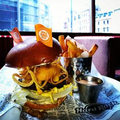 It's the TENNESSEE BBQ BURGER all the way from Memphis, Tennesseee! #WorldBurgerTour #Memphis #USA