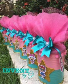 La imagen puede contener: flor, planta y exterior 4th Birthday Parties, 8th Birthday, Surprise Birthday, Doll Party, Little Girl Birthday, Lol Dolls, Unicorn Party, Birthday Decorations, Barbie