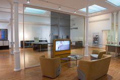 Modelo Butacas EMBRACE HALL Showroom, Barcelona, Divider, Furniture, Home Decor, Decoration Home, Room Decor, Barcelona Spain, Home Furnishings