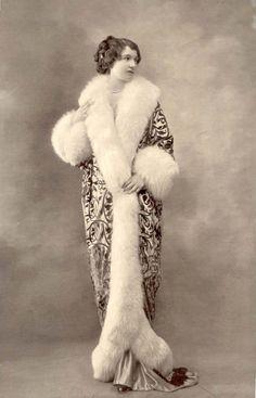 Fur Edged Cocoon Coat, La Belle Epoque, 1910's #historyoffashion