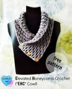 A beautiful and modern look with lots of texture. FREE crochet pattern from Crochet For You.