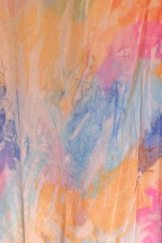 DIY Tissue Paper Tie Dyeing - Honestly WTF How To Dye Fabric, Fabric Art, Tissue Paper Crafts, Fabric Crafts, Tie Dye Party, Tie Dye Crafts, Shibori Tie Dye, Tie Dye Outfits, Paper Light