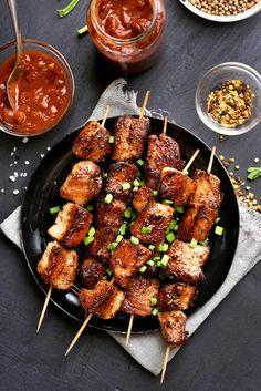 Pork Satay, Marinade Sauce, Pork Recipes, Asian Recipes, Ethnic Recipes, Grilled Pork Shoulder, Chipotle, Peanut Dipping Sauces, Barbecue