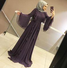 Image may contain: 1 person, shoes Iranian Women Fashion, Islamic Fashion, Muslim Fashion, Modest Fashion, Fashion Clothes, Fashion Outfits, Abaya Designs, Hijab Chic, Casual Hijab Outfit