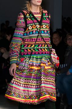 Browse Paris Fashion Week Fall 2014 pictures from the Manish Arora runway show. Cute Skirt Outfits, Cute Skirts, Cool Outfits, Fashion Outfits, Folklore, Runway Fashion, Paris Fashion, 2015 Fashion Trends, Manish Arora