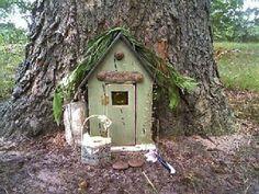 Tree Stump Fairy House Full Size Of Inspiring Ideas Tales On Stumps Garden Stool Fair Fairy Tree Houses, Fairy Village, Fairy Garden Houses, Gnome Garden, Fairy Gardens, Fairy Doors On Trees, Miniature Gardens, Magic Garden, Dream Garden