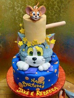 Tom and Jerry Cake ~ If Ty ever wants one I wish we had done this for Sawyer He loved Tom & Jerry I may have to throw him a Tom & Jerry Party although he doesnt want BDay Parties anymore : ( Bolo Tom E Jerry, Tom And Jerry Cake, Tom Y Jerry, Crazy Cakes, Fancy Cakes, Cute Cakes, Celebration Cakes, Birthday Celebration, Character Cakes