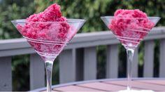 La Sangria de baies congelées ...un incontournable pour l'été! #sangria #baie #été #drink #cocktail
