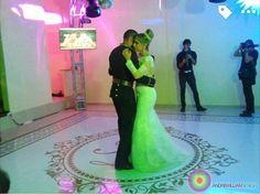 Adesivos de Pista de Dança Adesivo para dança dos noivos e 15 Anos Wedding Party Dancefloor Adesive Adesivo de pista de dança com design exclusivo e instalação perfeita. Como um tapete. Perfeito para a dança dos noivos ou valsa 15 anos. Brasília-DF #casamento #noiva #noivas #bride #wedding #decor #decoration #decoracao #luxo #casamento #wedding #dancadosnoivos #design @andrewilliamdesign Orçamentos 61 92626229 whatsapp
