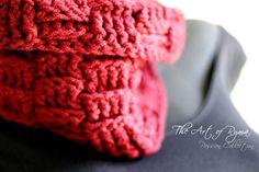 """The Jewylz"" Crochet Cowl"