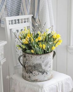 Easter Home Decoration - Inspiration / Easter / Decoration / Easter . - Easter Home Decoration – Inspiration / Easter / Decoration / Easter Decoration / Easter / Easter - Country Decor, Farmhouse Decor, Vibeke Design, Shabby Chic, Decoration Inspiration, Deco Floral, Spring Flowers, Spring Blooms, Floral Arrangements