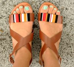 I Spy DIY: [My DIY] Tribal Wrap Sandals--just leather sandals wrapped with embroidering thread! would probably look cute on flip flops too Cute Shoes, Me Too Shoes, Ella Shoes, Diy Fashion, Fashion Shoes, Tribal Fashion, Trendy Sandals, Summer Sandals, Summer Shoes