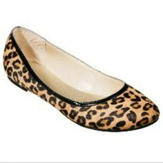Cute leopard print Merona flats Leopard print flats, material on outside is a faux fur type. Size 9. Small heal- only worn handful of times Merona Shoes Flats & Loafers