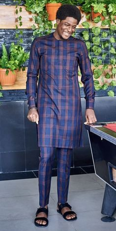 Here are some lovely and stylish African men wears that you would really love to wear for your occasions both wedding and any other special event. These are designers wears made from ankara and native materials. Latest African Wear For Men, African Shirts For Men, African Dresses Men, African Attire For Men, African Clothing For Men, African Outfits, Nigerian Men Fashion, African Men Fashion, Dashiki For Men