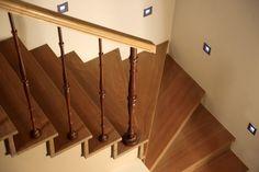 Houten trap landelijk interieur binnendeuren en trappen - Model interieur trap ...
