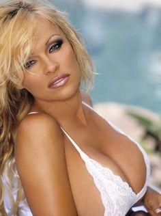 Памела Андерсон (Pamela Anderson) в фотосессии Джона Брэди (John Brady) (2004)