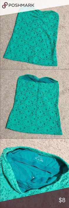 "Aerie Mint Lace Tube Top EUC with no flaws. Lined girly tube top with built-in shelf bra. Cute sweetheart neckline and ruched detail! ✨Cheaper on Merc! Link in ""About""✨ aerie Tops Camisoles"