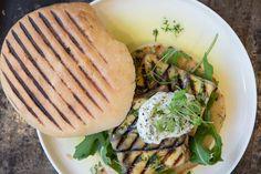 Das Rezept für Auberginen-Feta-Sandwiches mit allen nötigen Zutaten und der einfachsten Zubereitung - gesund kochen mit FIT FOR FUN