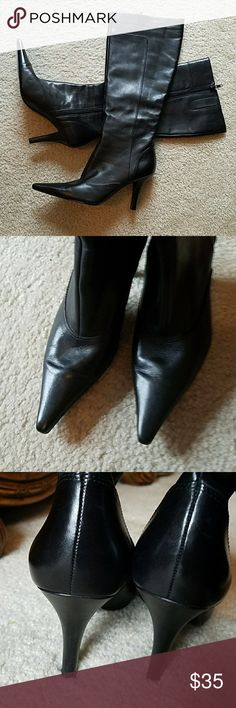 NINE WEST BLACK LEATHER KNEE HIGH BOOT NINE WEST BLACK LEATHER KNEE HIGH BOOT.  Beautiful boots, worn twice.  Still has a tag on the bottom of one of the boots.  Look like new.  Size 7 Nine West Shoes Heeled Boots