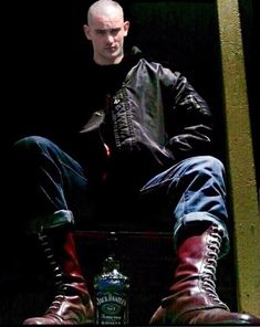 The skinhead boots just keep on coming. Skinhead Men, Skinhead Boots, Skinhead Fashion, Skinhead Tattoos, Skin Head, Bomber Jacket Men, Style Retro, Bad Boys, Sexy Men