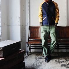 The jkt and wide cropped pants