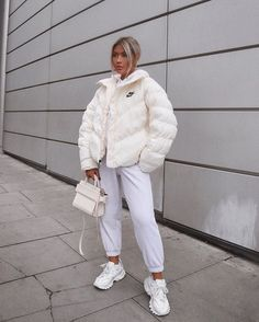 35 Trendy Winter Outfits To Help To Level Up Your Winter Style - For Women. - 35 Trendy Winter Outfits To Help To Level Up Your Winter Style – For Women. Source by shellyredmonfashioideas - Topshop Outfit, Topshop Fashion, Winter Fashion Outfits, Look Fashion, Latest Fashion, Modern Fashion Outfits, Fashion Ideas, Fall Fashion, Fashion Women