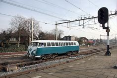 ☆MG☆Hilversum, November 19, 2011. A special vehicle when crossing on track 4. This is the only existing railcar based on the Volkswagen T1 diesel, known splitbus. Recently, this prototype from 1965 was found in Germany and completely restored to its original condition.