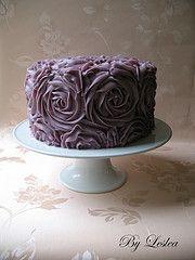 Purple buttercream rose cake  Rose cake tutorial:  http://iambaker.net/rose-cake-tutorial/