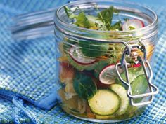 Kochbuch: Salate to Go: Rezepte für die Mittagspause | EAT SMARTER