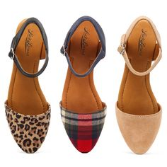 Two piece flats by Lucky Brand. Features a pointed toe, ankle strap and adjustable ankle strap closure.