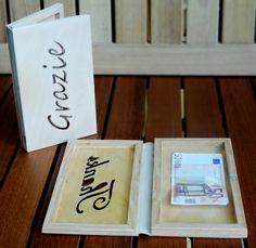 Portaconto/Rendiresto in legno personalizzabile su richiesta del cliente.