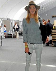 Joana Freitas Star Fashion, White Jeans, Ideias Fashion, Cool Outfits, Chic, Portuguese, My Style, Addiction, Pants