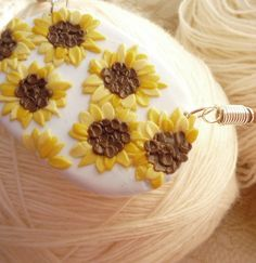 Sunflower pendant from pardo