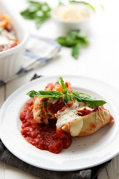 The best way to enjoy chicken Parmesan! Delicious (double-coated) chicken with creamy mozzarella cheese stuffed into pasta shells and covered with a delicious homemade tomato sauce. My family's obsession with chicken parmesan has been shared a couple oftimes on the blog; first with thisslow cooker soupand then with thisone dish quinoa meal. Both change up...