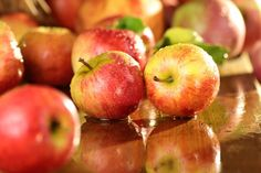 Just picked a bunch of apples and in need of apple recipes? Here are 10 great ideas! Nutrition Quotes, Health And Nutrition, Nutrition Education, Calories A Day, Mediterranean Recipes, Apple Recipes, Fruit, Organic Recipes, Healthy Life