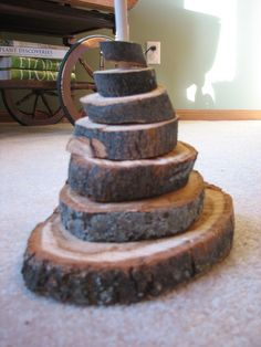Very cool natural wood stacking toy- just use a paper towel holder and a bunch of thinly sliced logs with holes drilled in the middle! Montessori Toddler, Toddler Play, Preschool Activities, Infant Toddler, Reggio, Stacking Toys, Stacking Blocks, Steiner Waldorf, Block Area