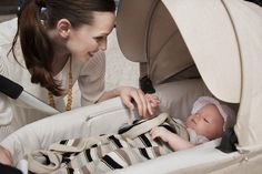 Stokke Crusi lifts little one closer to you, encouraging eye contact & physical contact while strolling